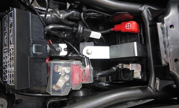 CBR250RRバッテリーの小型化