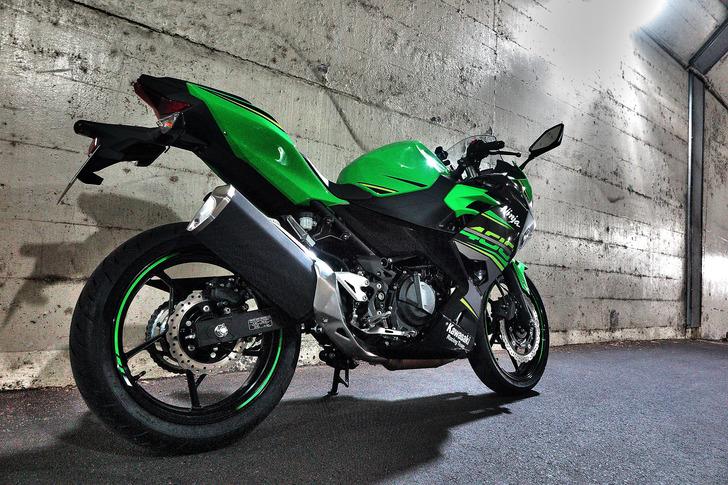 2018年製Ninja400